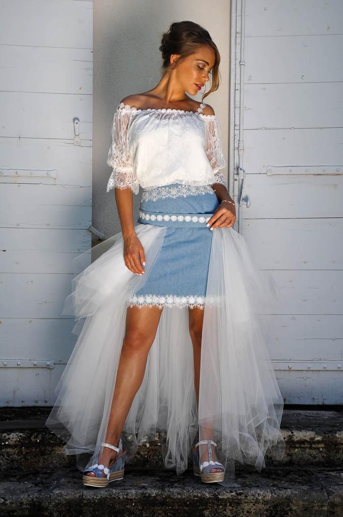 robe de mariée en jeans courte esprit bohème.