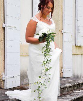 robe de mariée pour mariée ronde collection Les Mariées de Provence modèle TENDRESSE